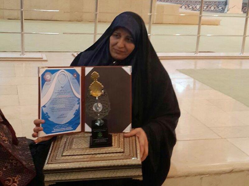 تجلیل از مادران موفق نابینایان توسط موسسه جابربن عبدالله انصاری در روز مادر